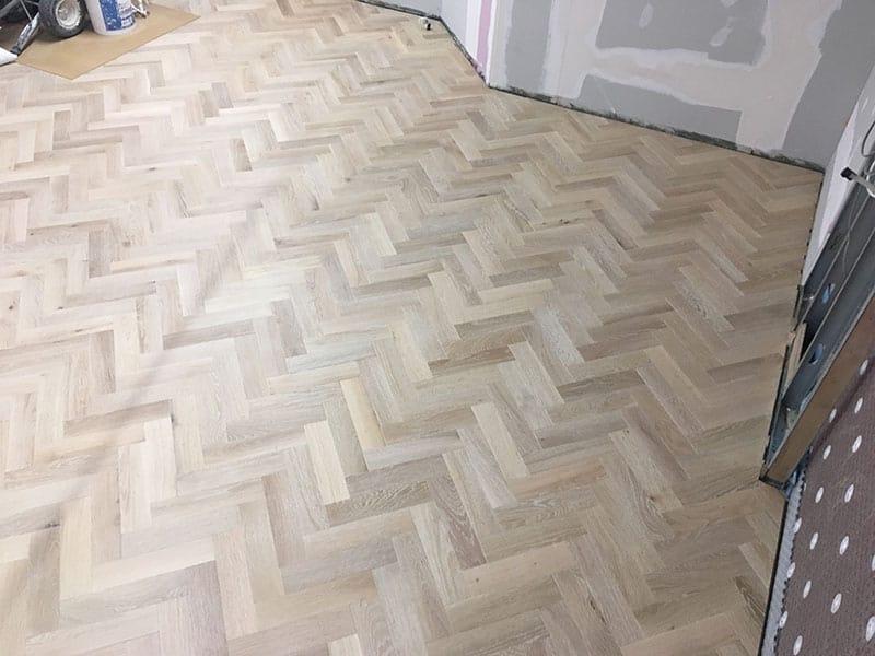 herringbone_wooden_floor_01