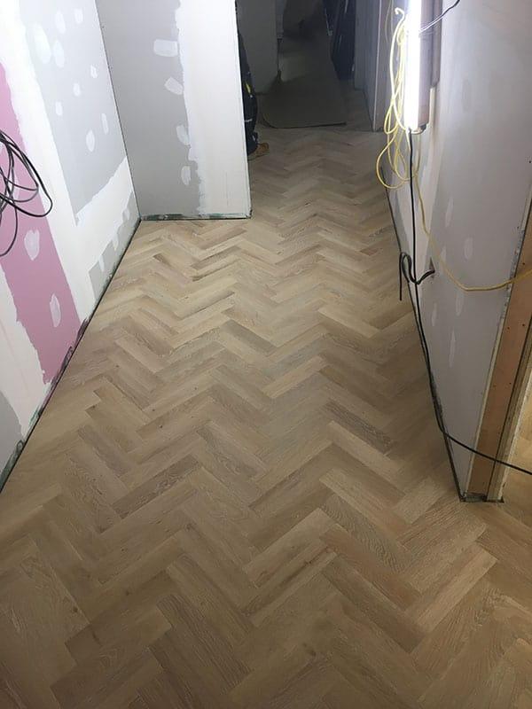 herringbone_wooden_floor_03