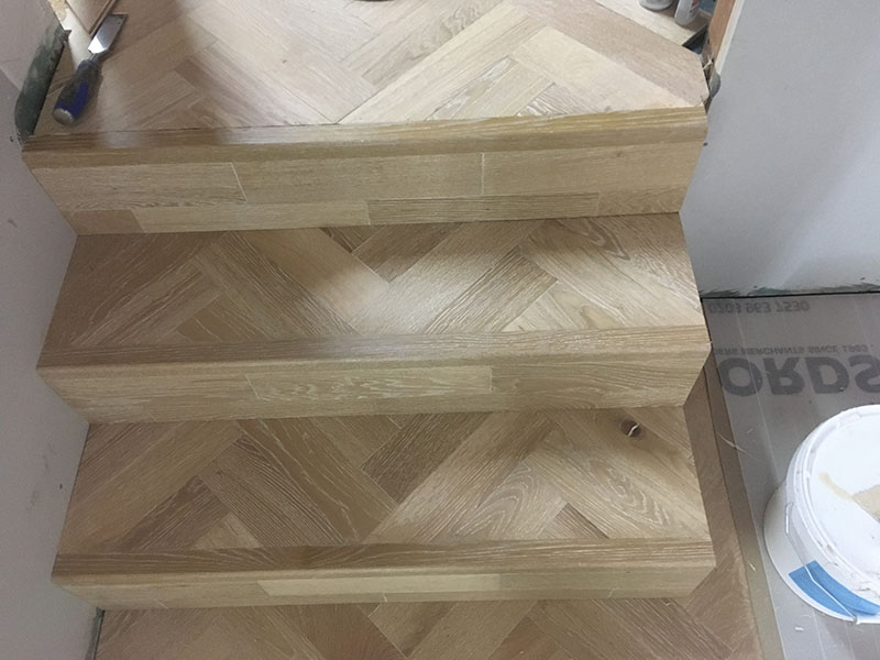 herringbone_wooden_floor_stairs_04